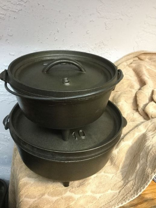 2 Sizes- LODGE CAST IRON DUTCH OVENS
